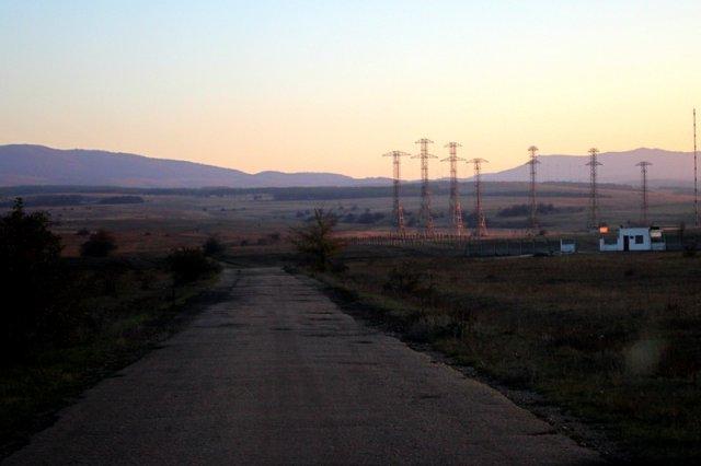 Въезд на плато - воинская часть.